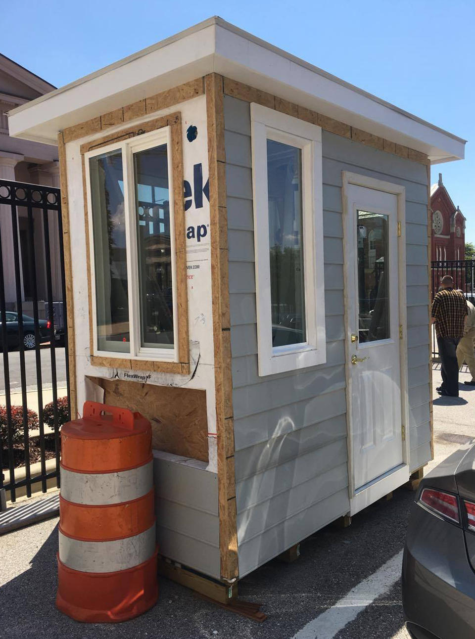 Delbert Adams Construction Group Builds New Security Guard Booth for Helping Up Mission